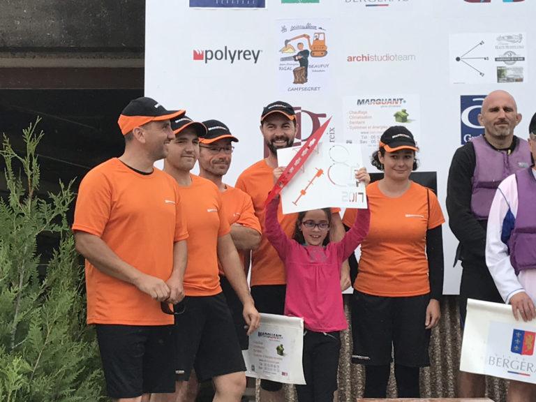 Photos de l'aviron challenge entreprise 2017 : sarl marquant remise du trophé